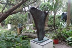2016 Cornwall, Barbara Hepworth's  garden in St.Ives