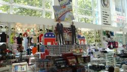 2012 Washington, souvenir shop