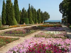 2007 Balcic, Castle garden