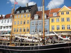 2009 Copenhagen, Nyhavn colourful facades