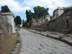 2011 Pompei, tombs