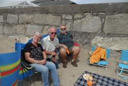 2016 Cornwall, Penzance, on the beach with Anca and Rob Evens